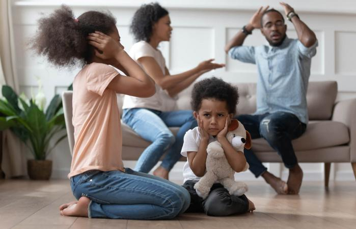 Upset kids by parents fighting