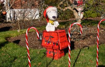 Snoopy holiday decoration