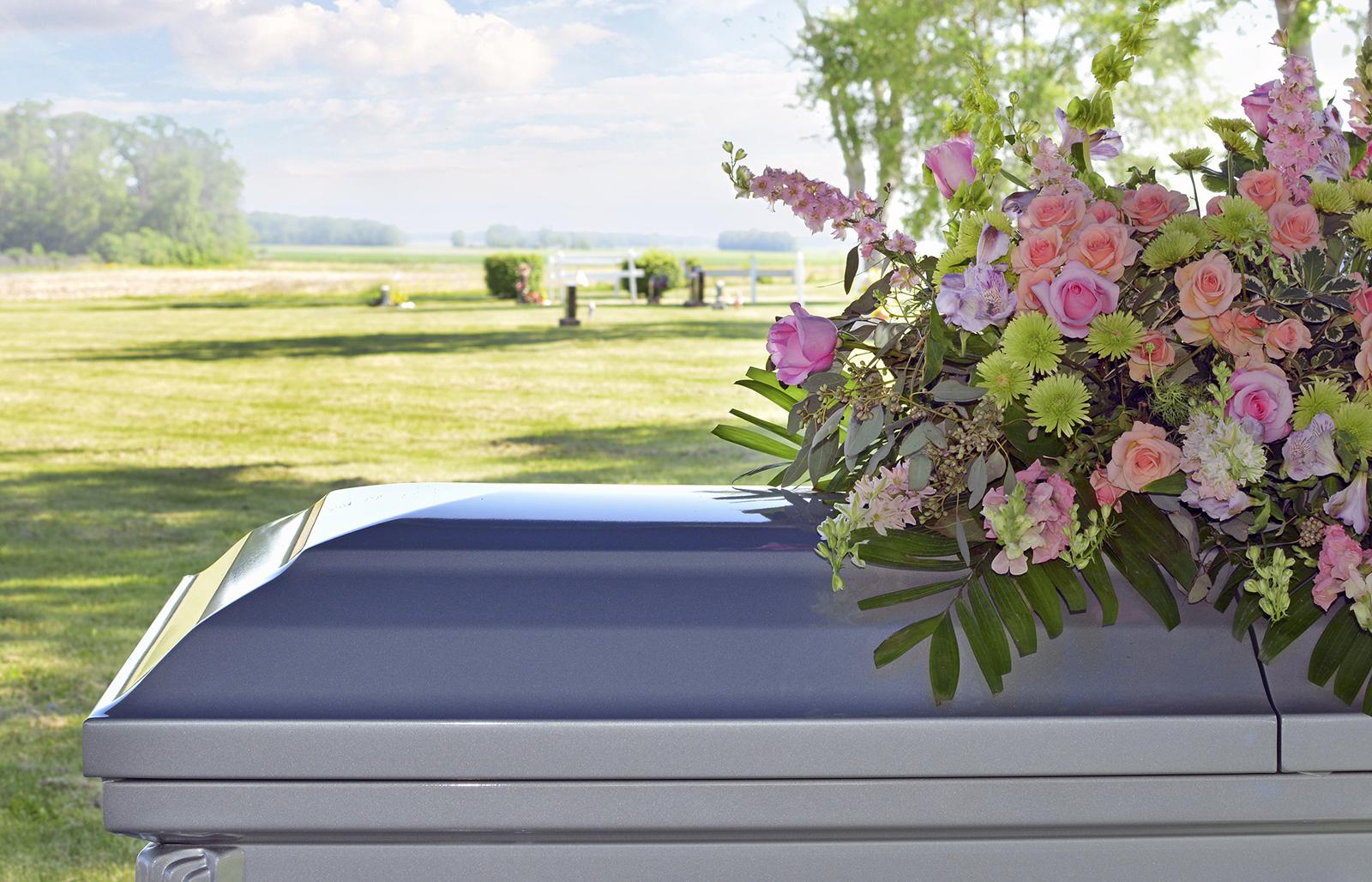 12 Funeral Flower Arrangement Ideas And Images Lovetoknow
