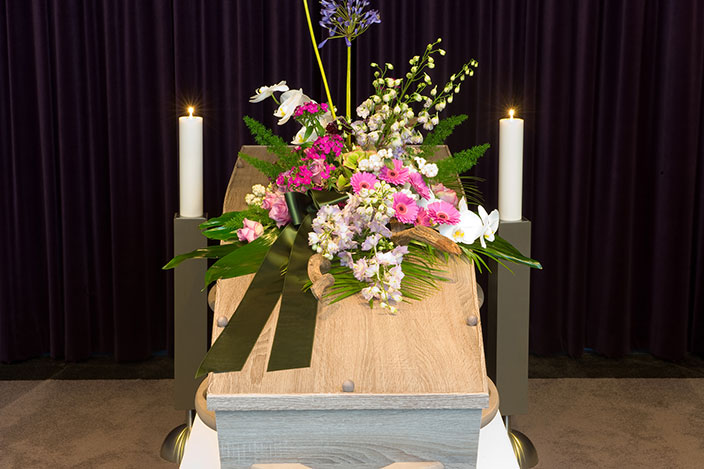 beautiful-casket-spray.jpg