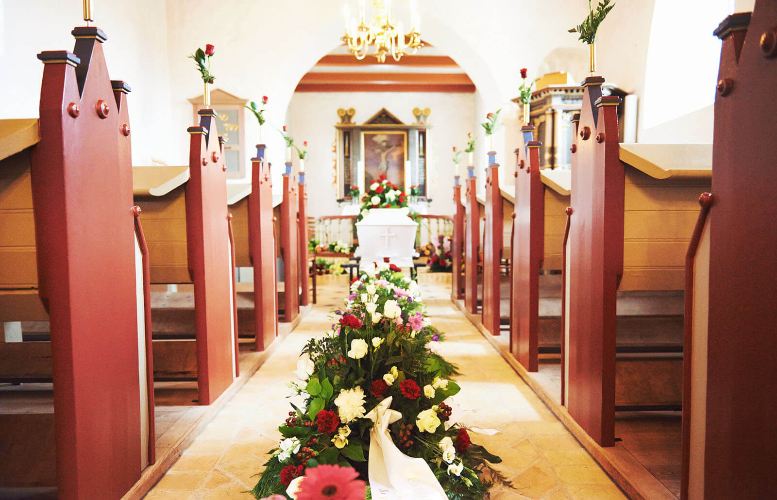 Simple Funeral Decorations To Make It Memorable Lovetoknow