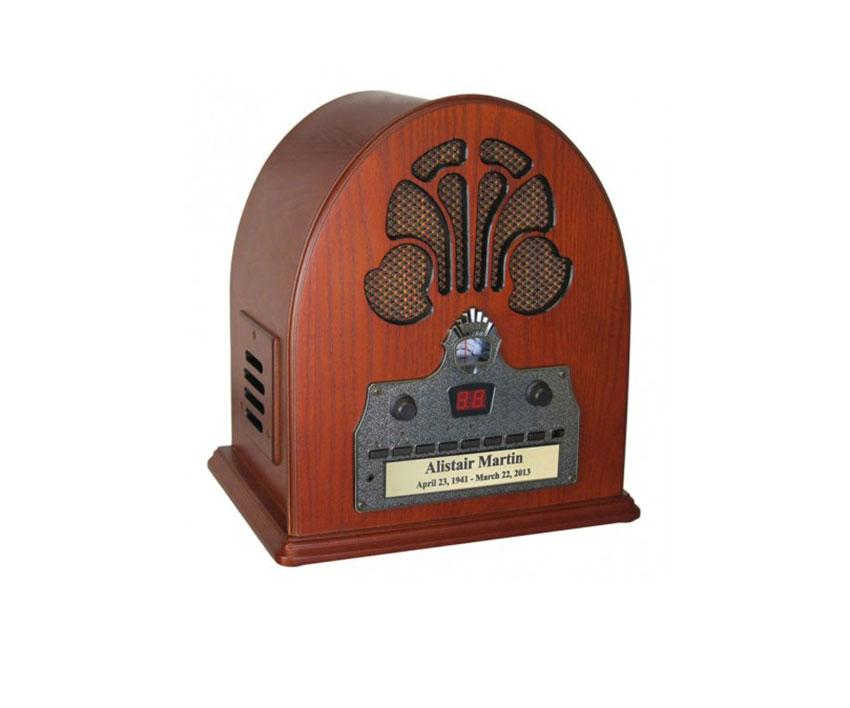 https://cf.ltkcdn.net/dying/images/slide/217845-850x708-crosley-old-time-cathedral-radio-urn-442.jpg
