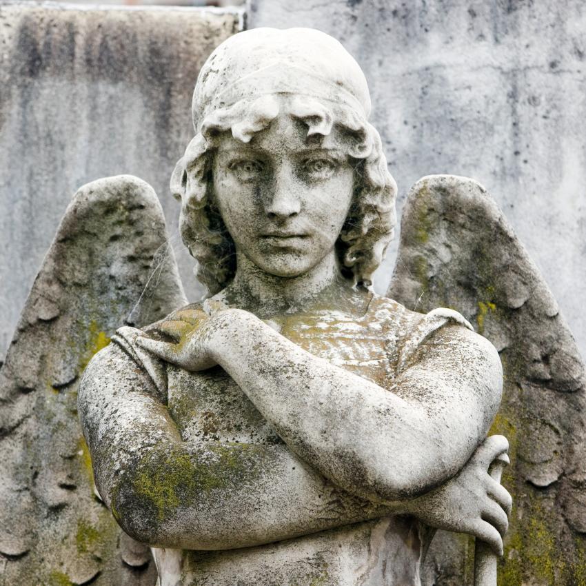https://cf.ltkcdn.net/dying/images/slide/245080-850x850-statue-of-angel.jpg