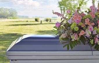 12 Funeral Flower Arrangement Ideas and Images