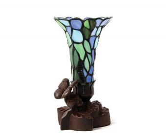 https://cf.ltkcdn.net/dying/images/slide/217826-850x708-Blue-Floral-Cremation-Keepsake-Lamp.jpg