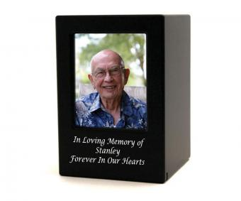 https://cf.ltkcdn.net/dying/images/slide/217827-850x708-Photo-Cremation-Urn-Black.jpg