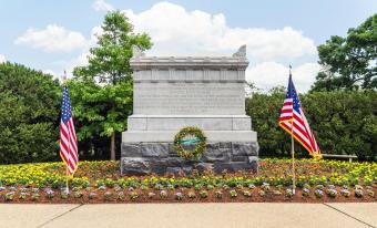 Arlington National Cemetery - Civil War Unknowns Monument