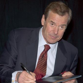 News Anchor Peter Jennings