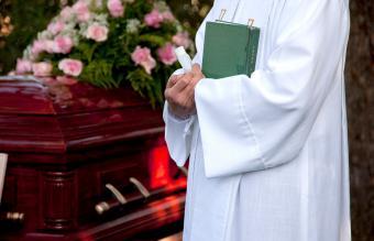40 Uplifting Bible Verses for Funerals