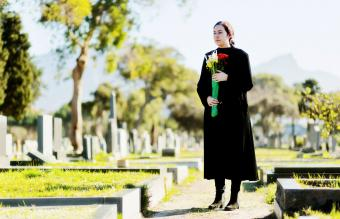 How to Find a Grave in a Cemetery in Simple Steps