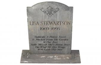 Long epitaph written on headstone