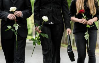 Funeral Attendance Etiquette: Who Should Attend?