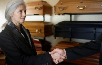 12 Nonprofit Organizations That Help With Funeral Expenses