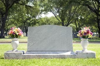 Simple Guide to Headstone Prices and Costs