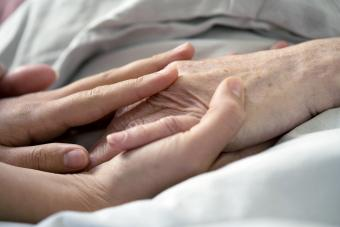 Impact of the Death of a Grandparent (and Ways to Cope)