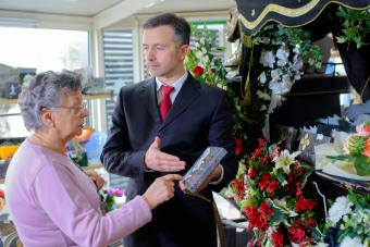 How to Become a Funeral Director: Training & Requirements