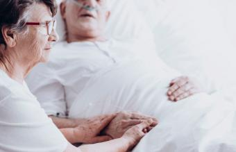 What to Say to Someone in Hospice: Give Peace & Comfort
