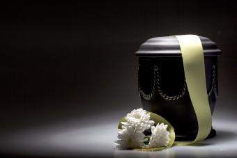 Funeral mourning urn