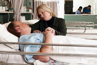 What to Say to Someone Who is Dying (and What to Avoid)