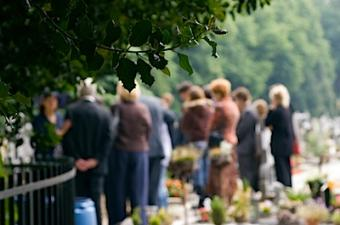9 Classic Italian Funeral Traditions