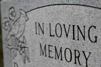 https://cf.ltkcdn.net/dying/images/slide/74586-640x426-headstone1.jpg