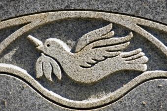https://cf.ltkcdn.net/dying/images/slide/74592-800x533-headstone7.jpg