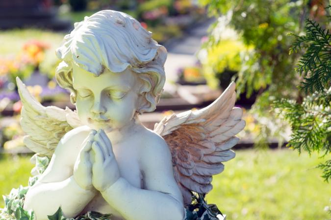 Angel figure in cemetery