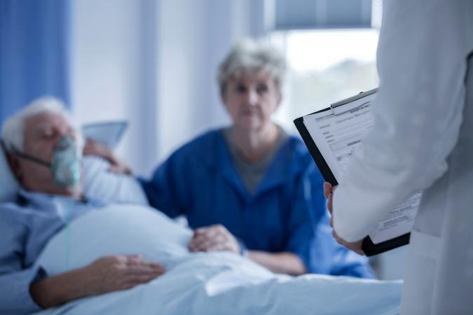 5 Signs of Dying and What to Expect From Your Hospice