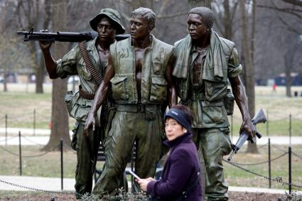 Three Soldiers Vietnam Memorial Sculpture