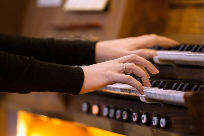 Touching Songs Often Sung at Funerals | LoveToKnow