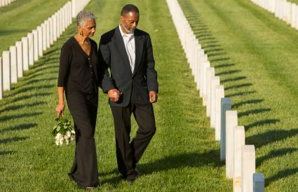 couple at military cemetery