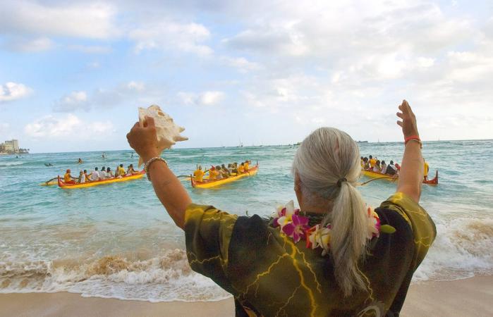 Hawaiian burial
