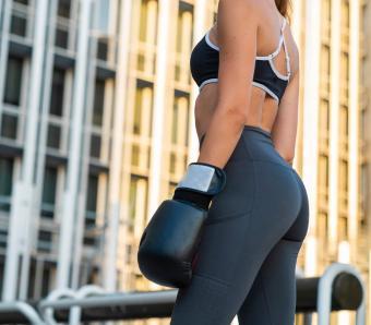 https://cf.ltkcdn.net/ejercicio/images/slide/255942-850x744-ejercicios-gluteos-sexy-1.jpg