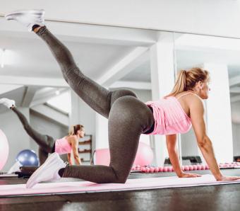 https://cf.ltkcdn.net/ejercicio/images/slide/255951-850x744-ejercicios-gluteos-sexy-9.jpg