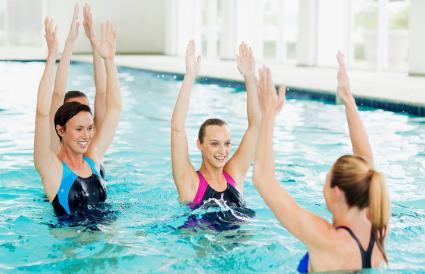 clases de aeróbicos acuáticos