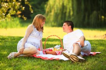 https://cf.ltkcdn.net/embarazo/images/slide/235130-850x566-cena-romantica.jpg
