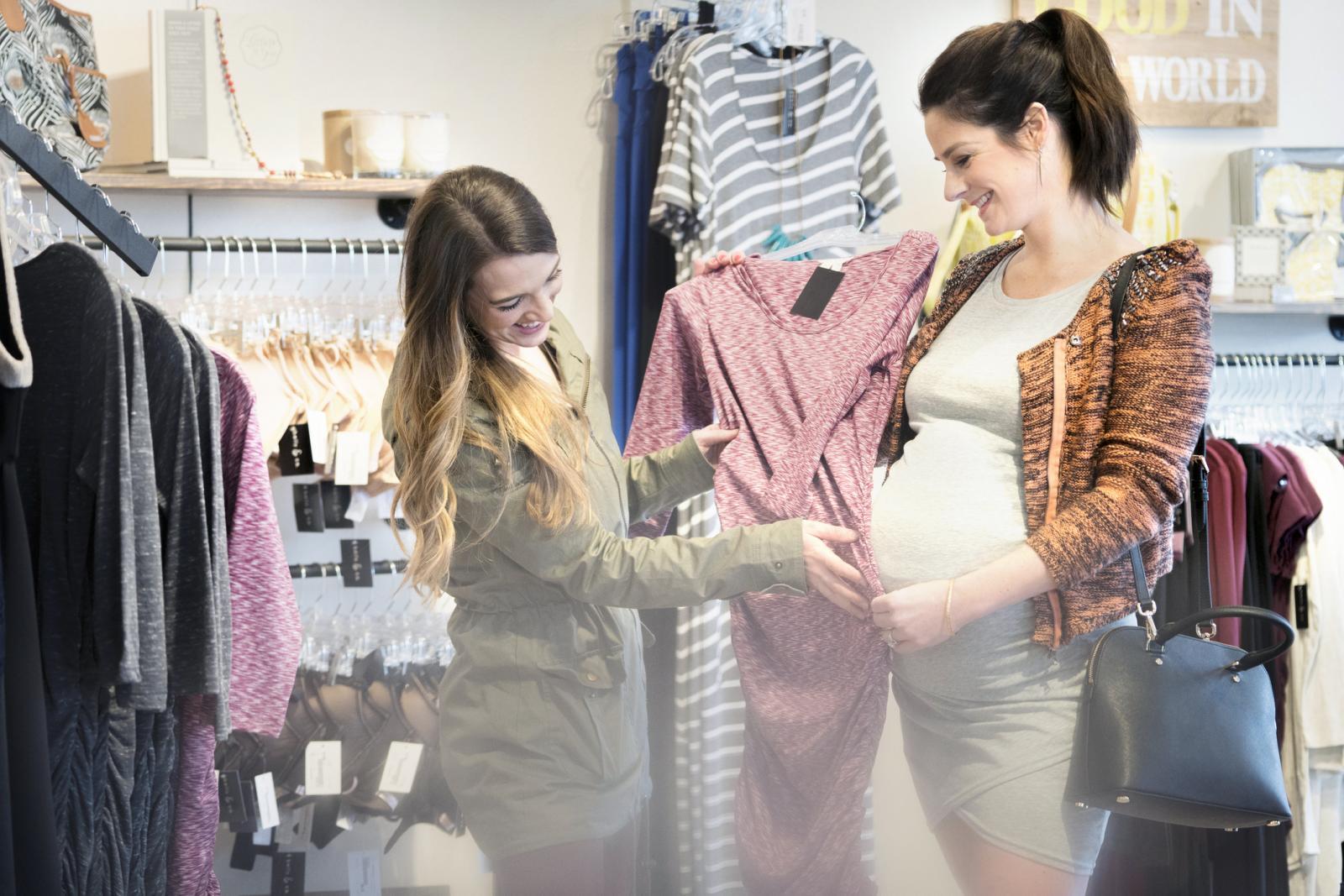 2c654d6af Cuándo comienza la mayoría de las mujeres a usar ropa de maternidad ...