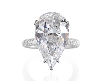 Guide To Pear Shaped Diamond Engagement Rings Lovetoknow