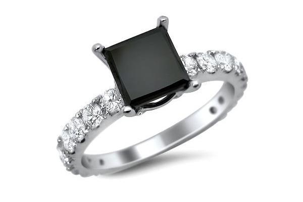 https://cf.ltkcdn.net/engagementrings/images/slide/161542-600x399-blackprincutdiamonds.jpg