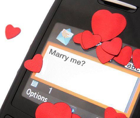 https://cf.ltkcdn.net/engagementrings/images/slide/169526-474x400-popquest14-marry-me.jpg