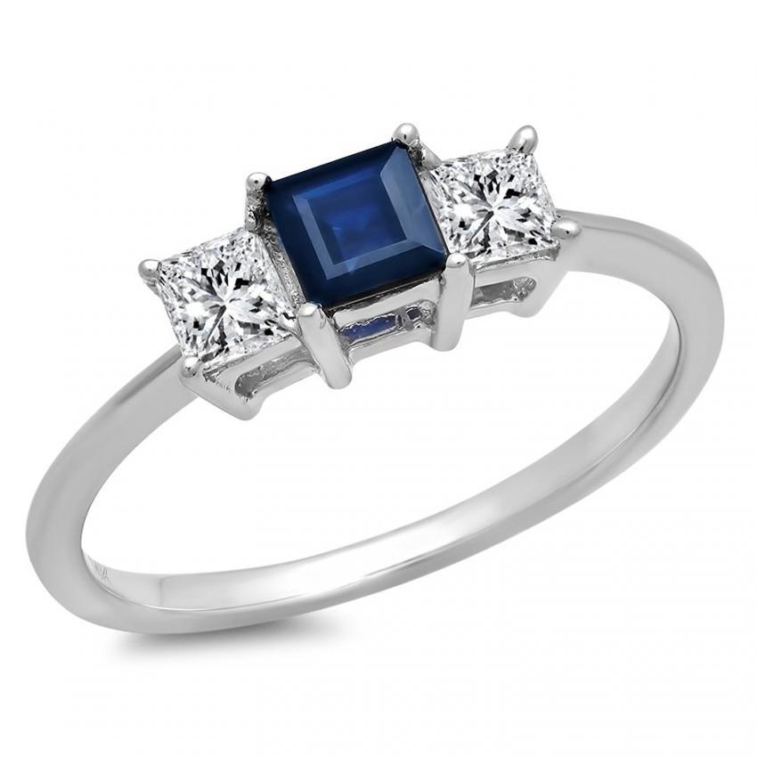 https://cf.ltkcdn.net/engagementrings/images/slide/205447-850x850-three-stone-sapphire-ring.jpg