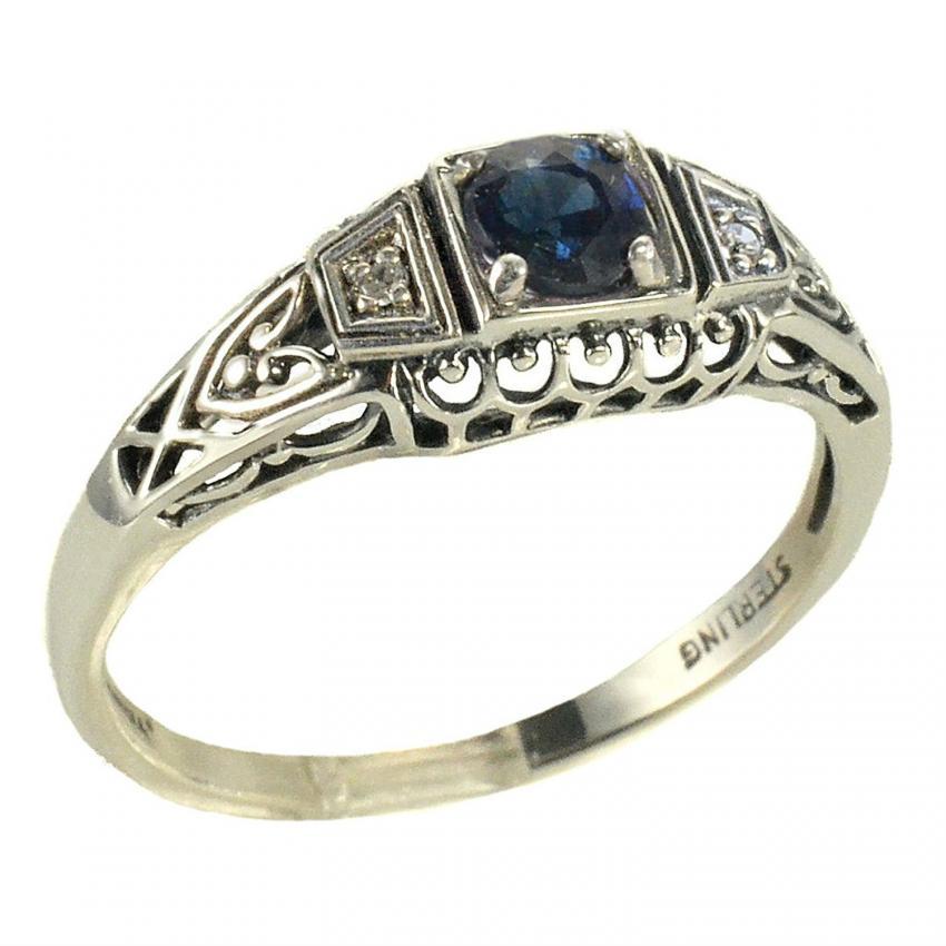 https://cf.ltkcdn.net/engagementrings/images/slide/206024-850x850-antique-sapphire.jpg