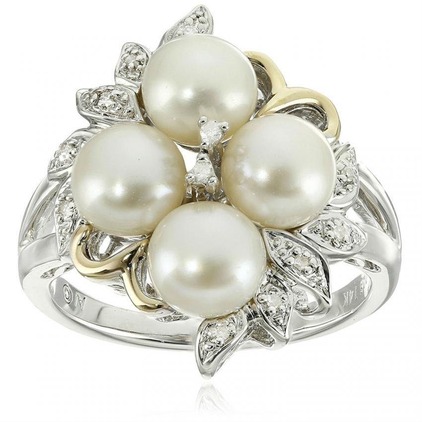 https://cf.ltkcdn.net/engagementrings/images/slide/206721-850x850-micro-pave-and-pearls.jpg
