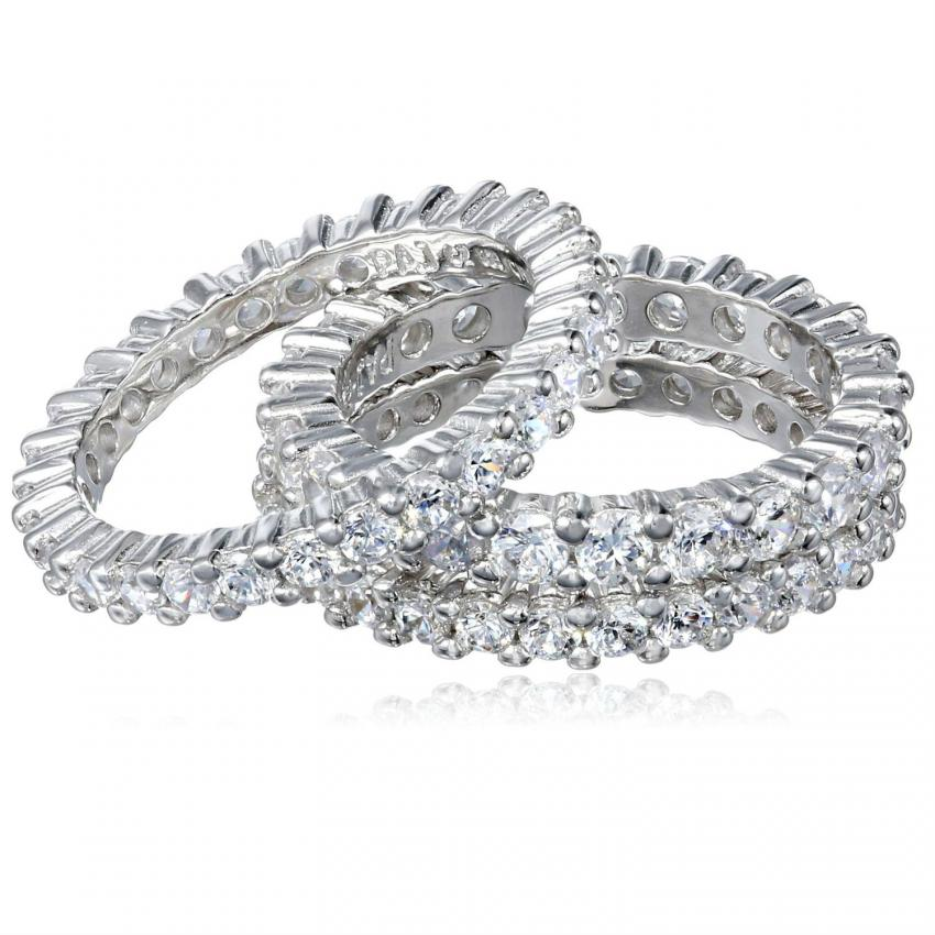 https://cf.ltkcdn.net/engagementrings/images/slide/206752-850x850-stacking-rings.jpg