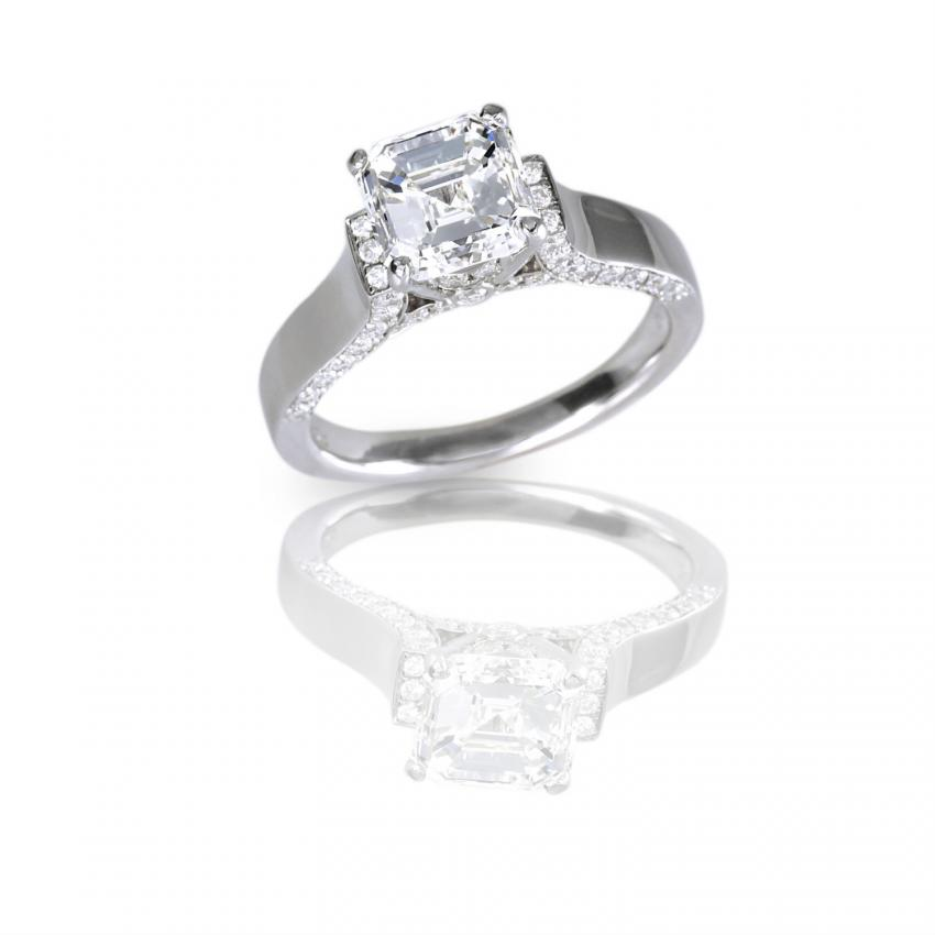 https://cf.ltkcdn.net/engagementrings/images/slide/207295-850x850-asscher-cut-engagement-ring.jpg