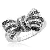 https://cf.ltkcdn.net/engagementrings/images/slide/129291-160x160-10k-White-Gold-Black-%26-White-Diamond-Bow-Ring.jpg
