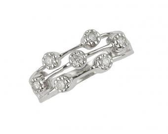 https://cf.ltkcdn.net/engagementrings/images/slide/131443-775x619r1-unique-diamond-wedding-band.jpg