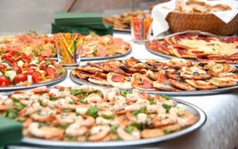 casual outdoor buffet
