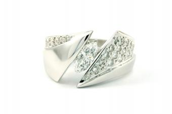 wide band pave ring
