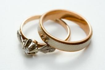 unique or custom wedding rings
